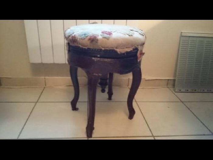 ancien tabouret de piano piano occasion. Black Bedroom Furniture Sets. Home Design Ideas