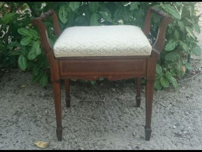 magnifique tabouret chaise de piano ancien en bois marqueterie avec rangement piano occasion. Black Bedroom Furniture Sets. Home Design Ideas
