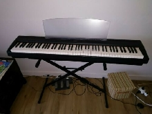 Yamaha piano digital P-95 B, 88 touches. Comme neuf. Cartons d'origines.