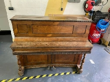 Piano droit de collection