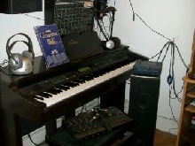 Materiel studio audio piano yamaha clavinova table de mixage bandridge etc...